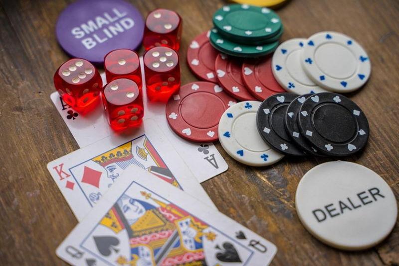 Spielkarten, Chips, Casino, Würfelspiel